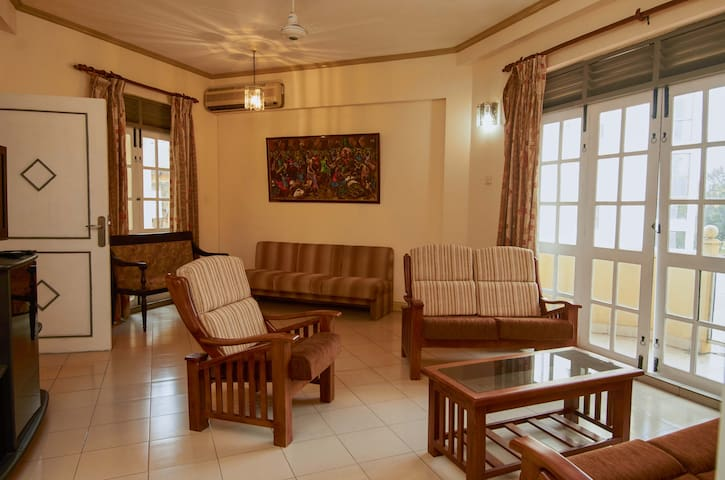 Luxury Apartment - Heart of Colombo