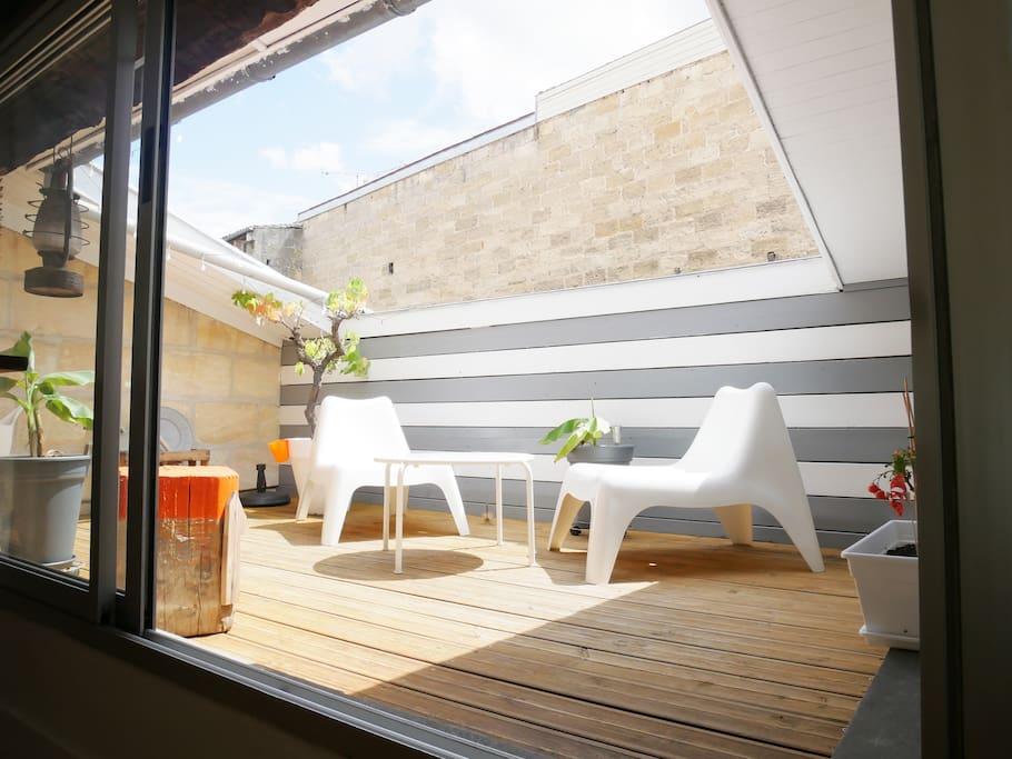 T1 cosy chartrons avec terrasse appartements louer for Location appartement t1 bordeaux
