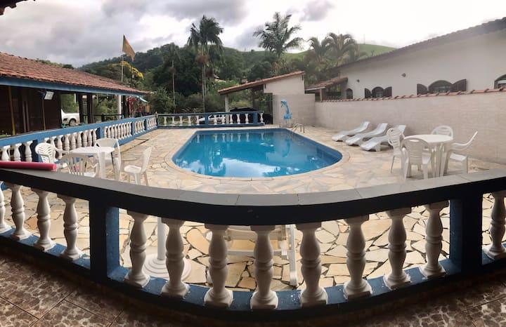 Chácara em Guararema às margens do Rio Paraíba