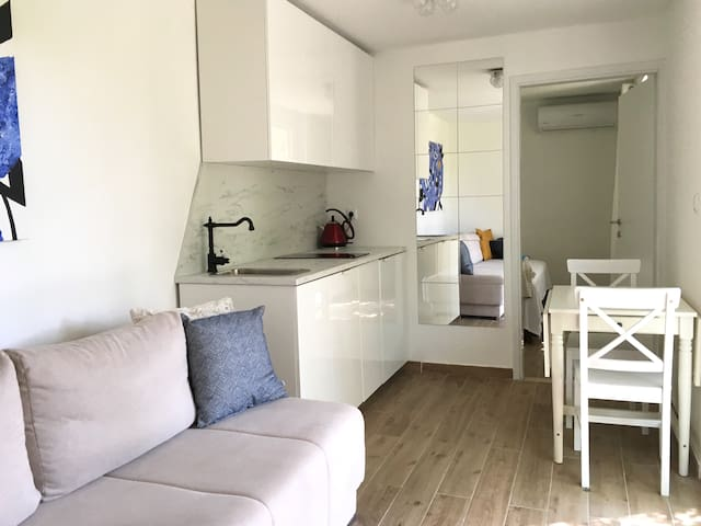 Luxury Studio Apartment Mao: 2 Mins to the Beach