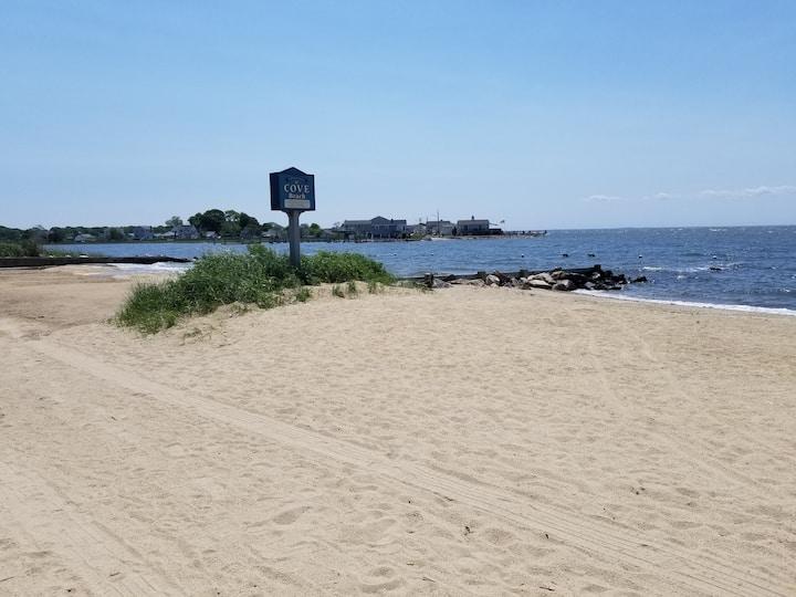 Sweet Summer Beach House Beach is  open for fun