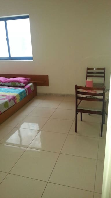 Beautiful clean room,homely atomoshere.