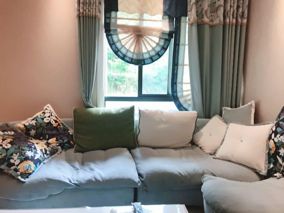 客厅大沙发