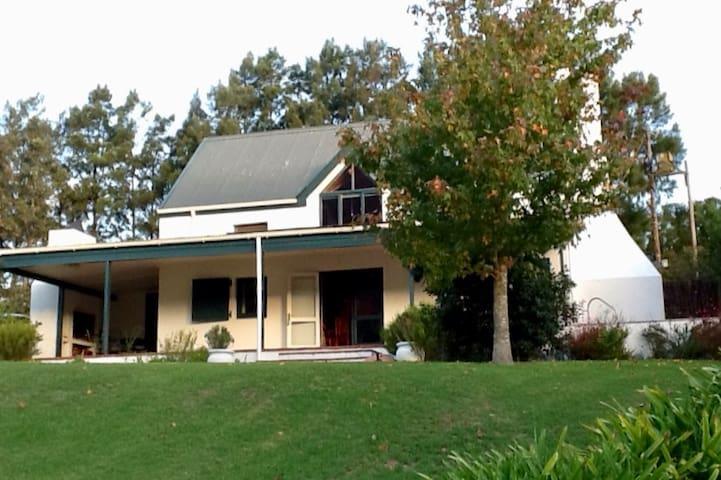 Charming cottage in the Hemel & Aarde Wine Valley