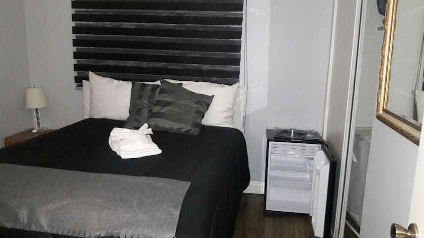 2'bedroom - Lancaster - House