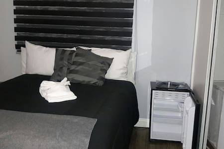2'bedroom - Lancaster - Ház