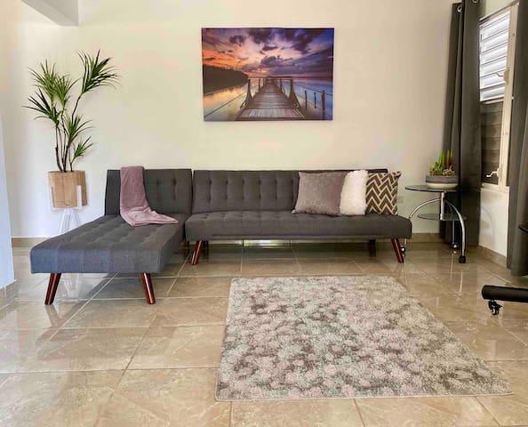 Spacious living room , TV and WiFi