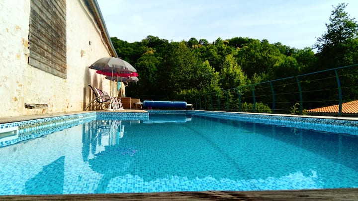 Domaine Villa Gite groupe, Piscine-Jacuzzi