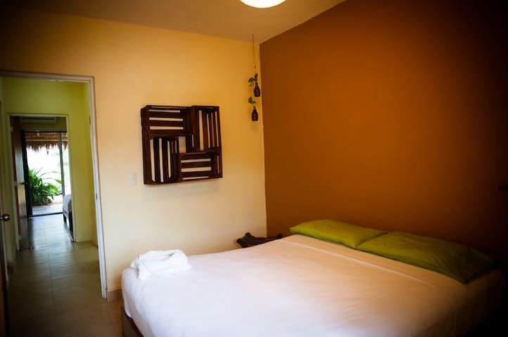 Bedroom n 2. Queen size bed.