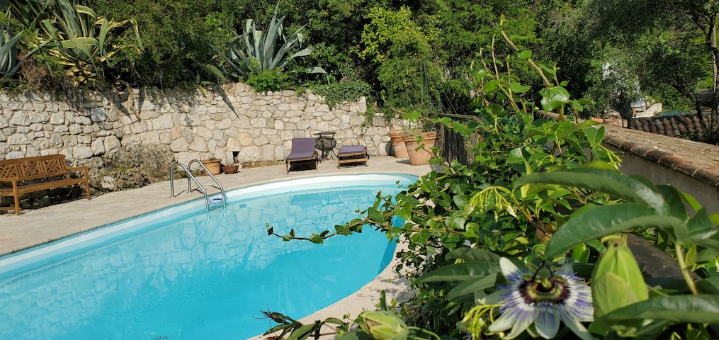 Private 5 bed Villa with Pool in charming village