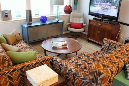 New 3-Bedroom Condo - Dover - Appartement