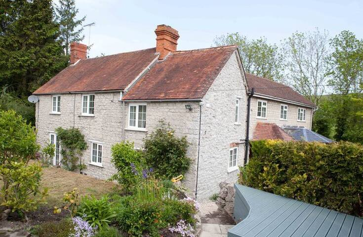 Delford Cottage nr Bath & Salisbury