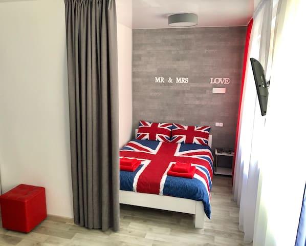 """Стильная квартира-студия с спальной зоной """"LONDON"""""""
