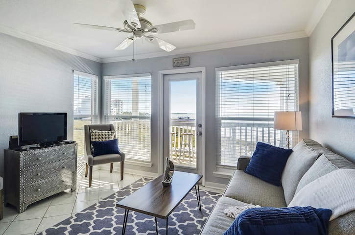 Seascapes 2316-Barefoot Bliss is a 2/1.5 bath on the beachfront!