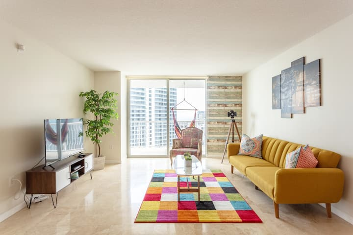 Ocean&City Views Lux Brickell | Sleeps 4 | King Bd