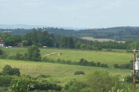 Double near Cavan equestrian Ctr. - Cavan - 獨棟