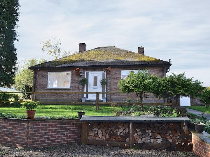 Holme End (30377)