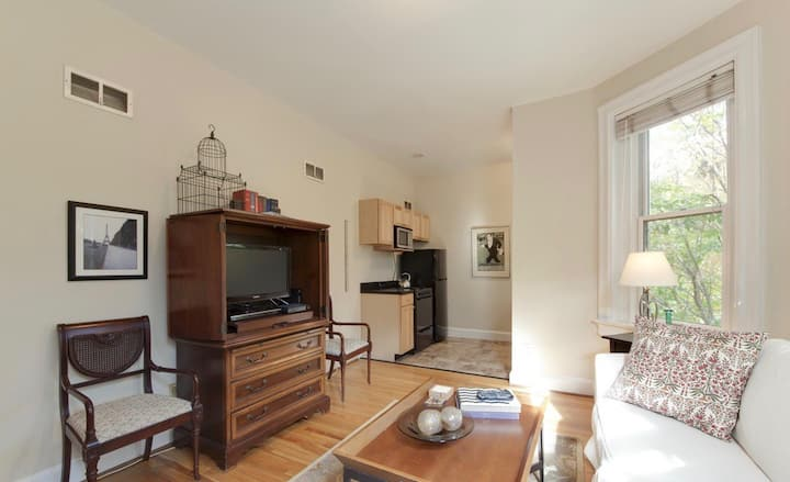 Sojourn on 19th DuPont 1 Bedroom