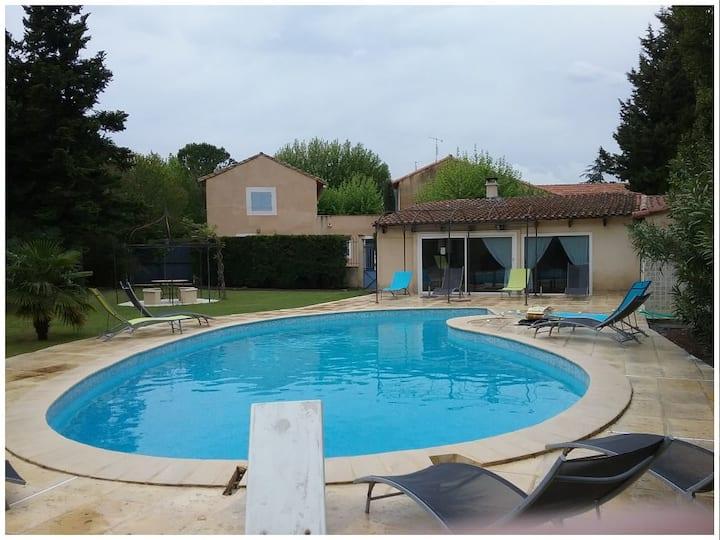 Appartement avec cuisine & piscine à Avignon
