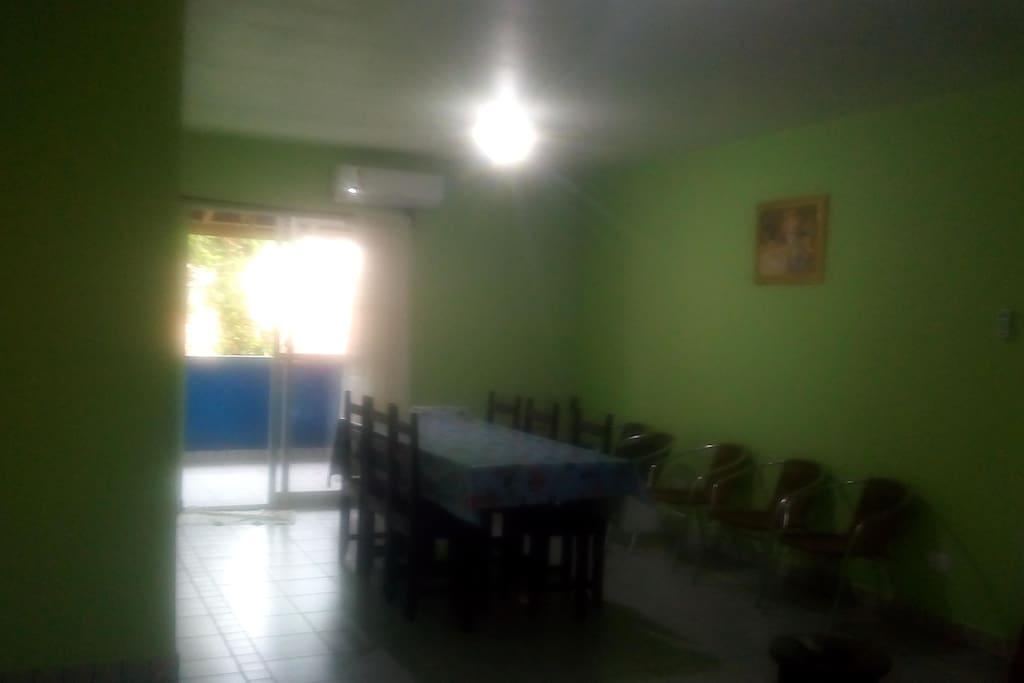 ampla sala de jantar c/ ar