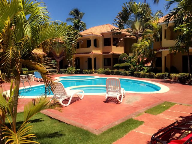 Dreamy Colonial Style Villa!