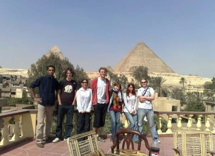 3 Pyramids view inn-Omega