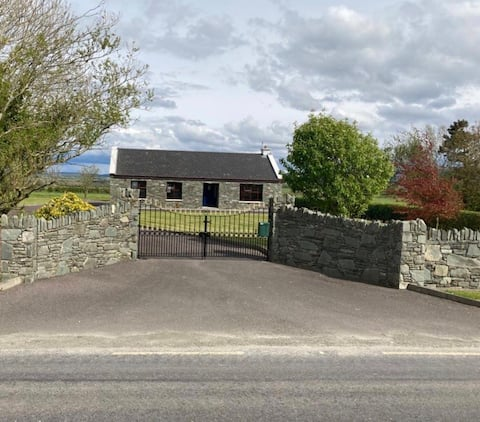 Abbeyview Cottage in heart of North Kerry