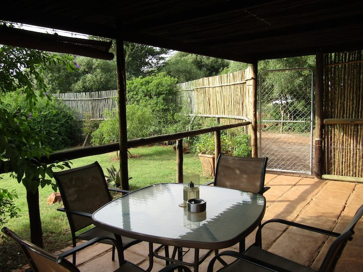 Stone Hill 4* Cabbage Tree Cottage - Pet Friendly