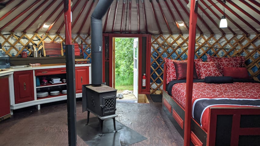"ReLive Yurt Cabin ""RED"""