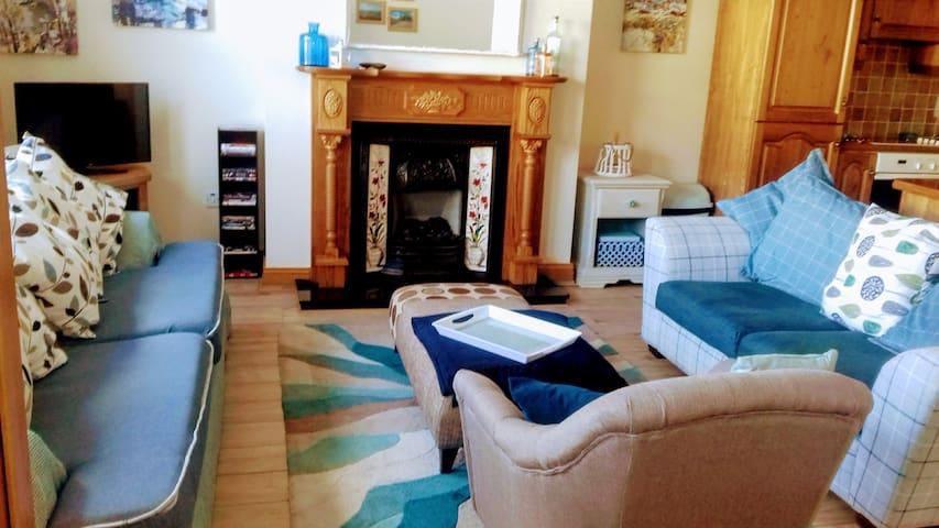 Carlingford luxury 2 bedroom apartment (sleeps 4)