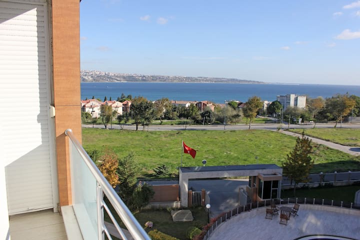 Apt close to Tuyap Conv. Center - Büyükçekmece - Leilighet