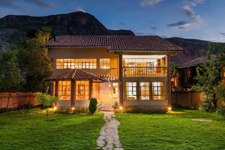 Spacious house with awesome mountain views.