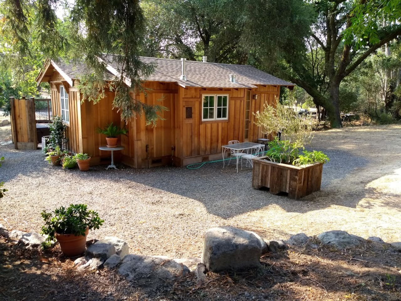 Bee Haven Cottage - Cottages for Rent in Healdsburg, California ...