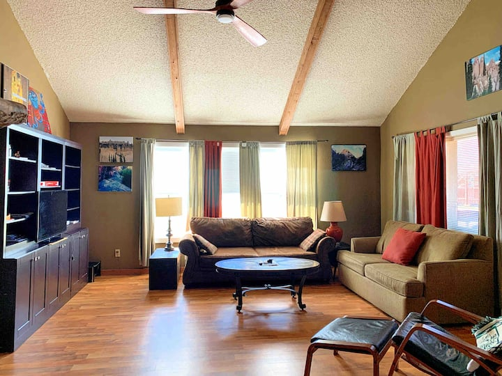 Comfortable condo in Pagosa Springs with AC