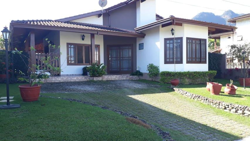 Casa locação Temporaria em Cond. Fechado Ubatuba