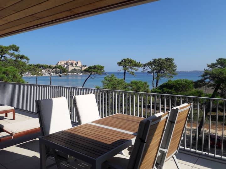 Appartement neuf vue exceptionnelle, plage à 50 m