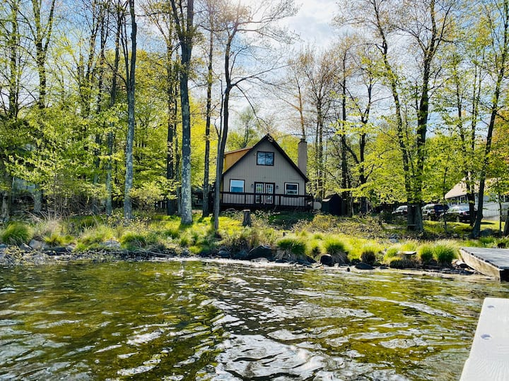 Lake House close to Waterpark & Trails