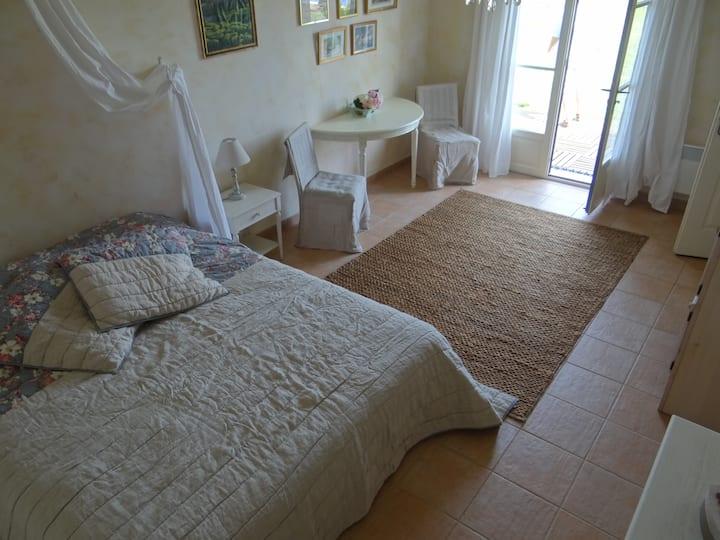 Chambre d'hôtes - Piscine et petit déjeuner inclus