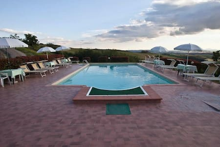 """""""Il Gelsomino"""" apartment with pool - Asciano - Bed & Breakfast"""