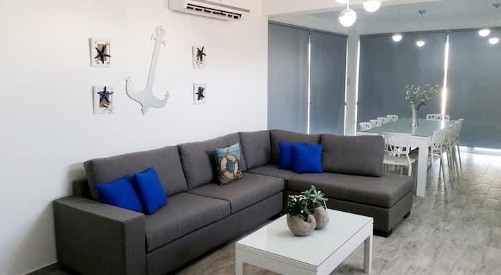 Luxury villa 5 bed in Ayia Theckla