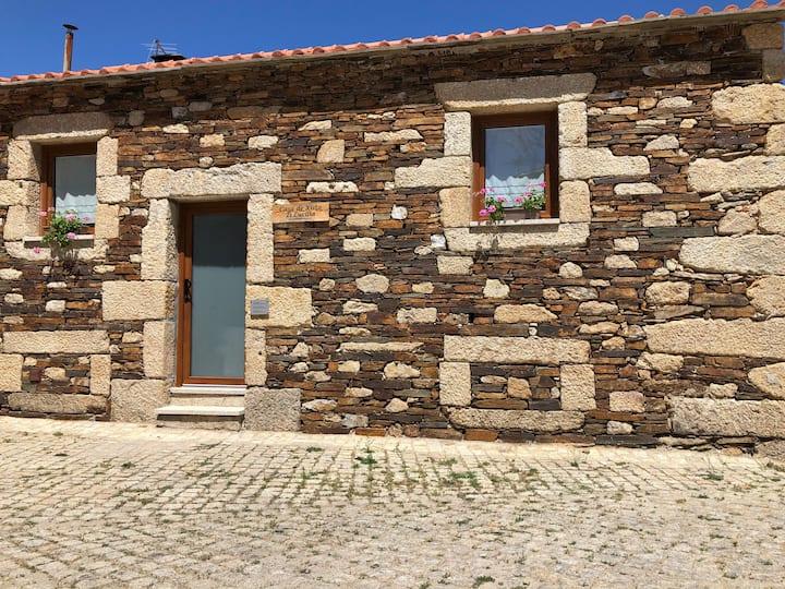 Casa de Xisto Ti Lucília - Turismo Rural