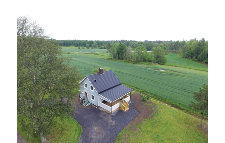 Stunning home in Trollhättan with WiFi and 3 Bedrooms