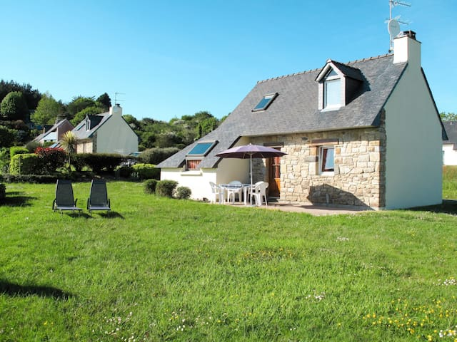 Holiday home for 4 persons in Crozon
