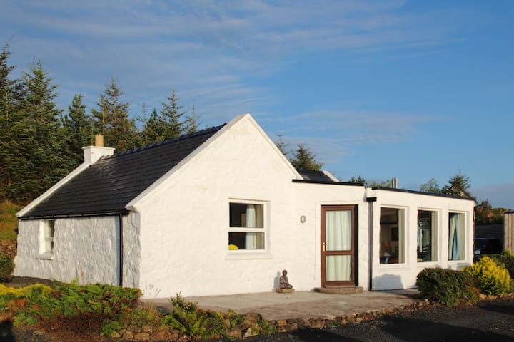 Rainbow Cottage, Waternish, Isle of Skye