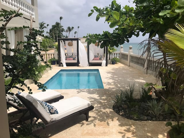 Tres Sirenas Oceanfront Boutique Hotel Room #3
