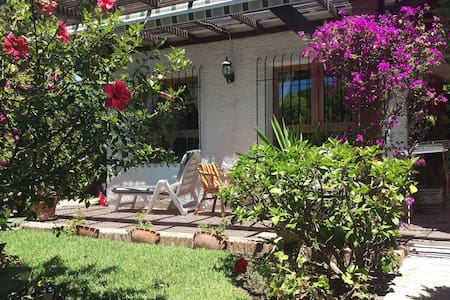 Spacious, pretty 2 bed private very secluded Villa - ミハス