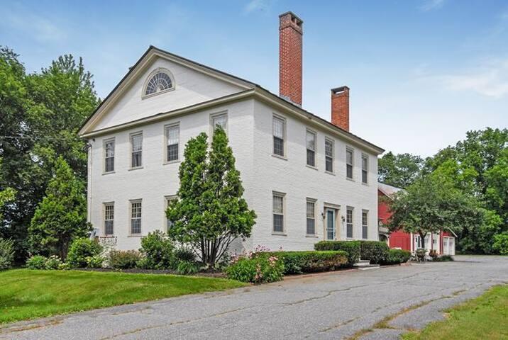 Historic 1805 Ivy Hall