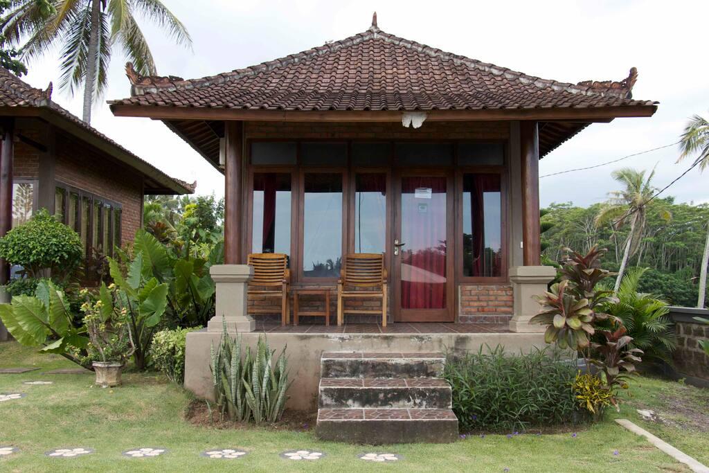 krisna villen villen zur miete in bali bali indonesien. Black Bedroom Furniture Sets. Home Design Ideas