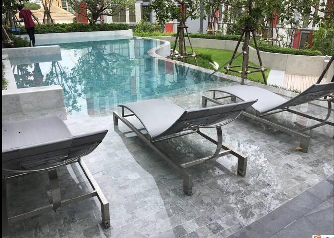 日本高级住宅区Ekkamai /后花园/1.8大床/泳池健身/紧邻网红酒吧咖啡餐厅