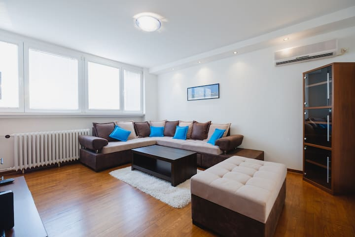BB's Apartment with panorama view
